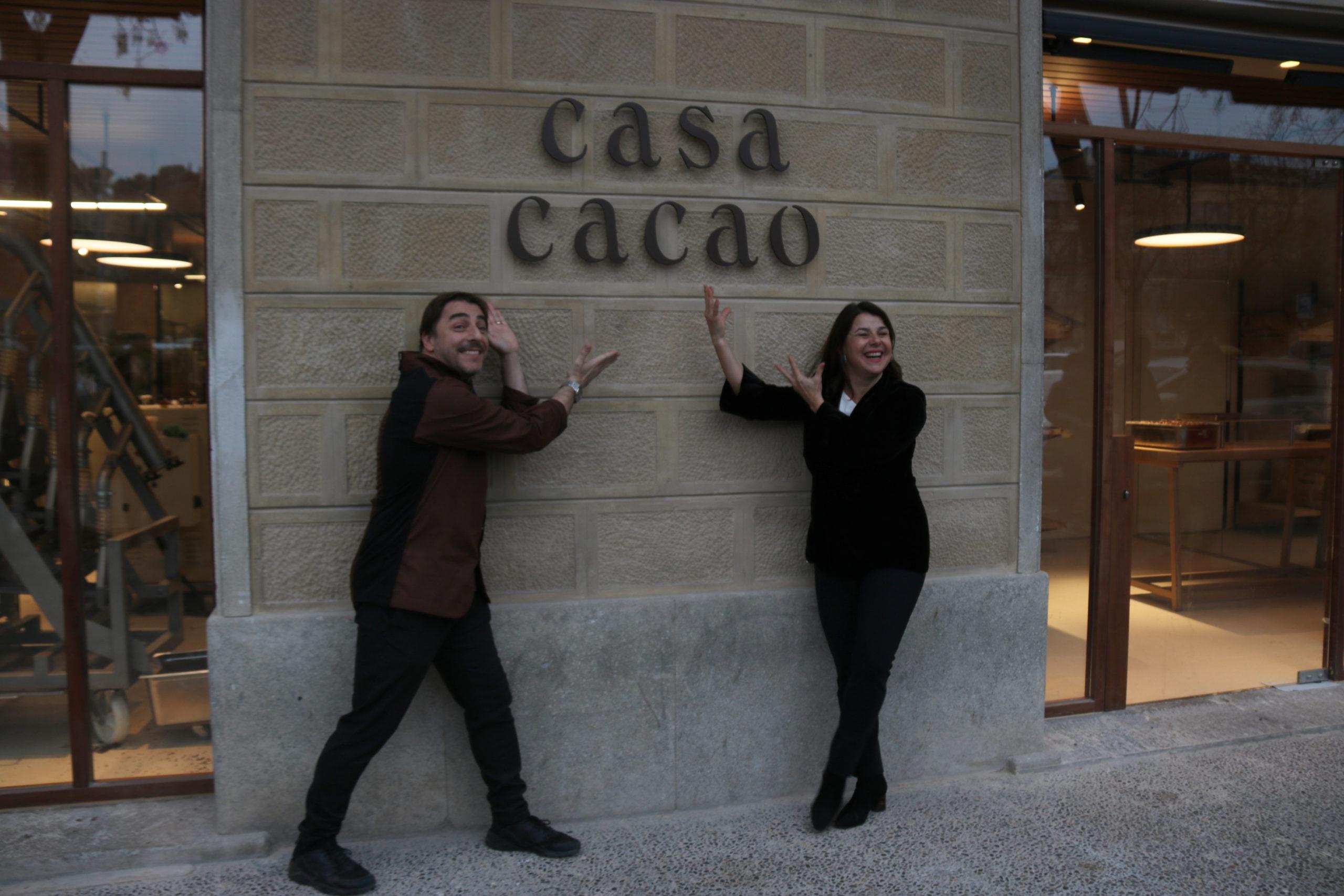 Jordi Roca i Anna Payet en la inauguració de Casa Cacao   ACN